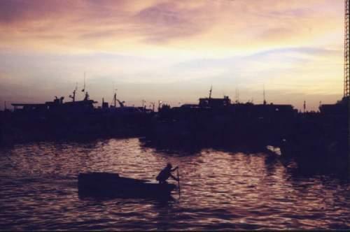 Phil_sunset_boat_net