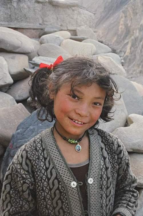 Nepal_takraw_girl_portrait