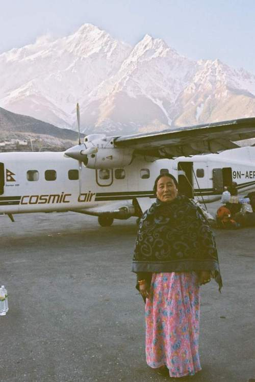 Nepal_ancient_cosmic_airlady