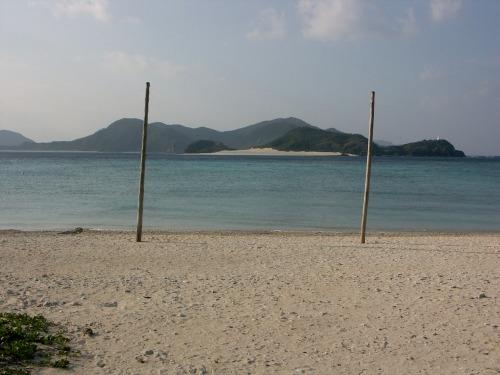 J_zamami_beach_poles