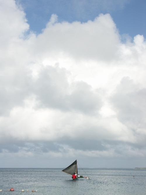 Mar_canoe_cloud_517