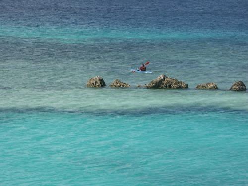 Mar_kayak_rocks_1275